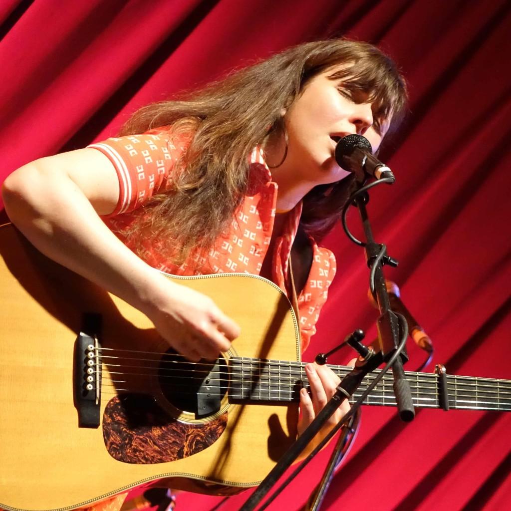 Polly Paulusma plays The London Folk Fest